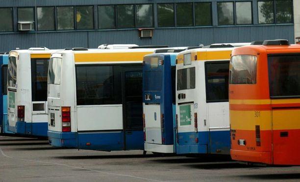 Linja-autoliitto arvioi, että kuntien kustannukset julkisessa liikenteessä kasvavat 200-300 miljoonaa euroa vuodessa.