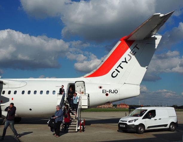Cityjet Oy:n henkilökuntaan kuuluu kymmenkunta suomalaista lentäjää.