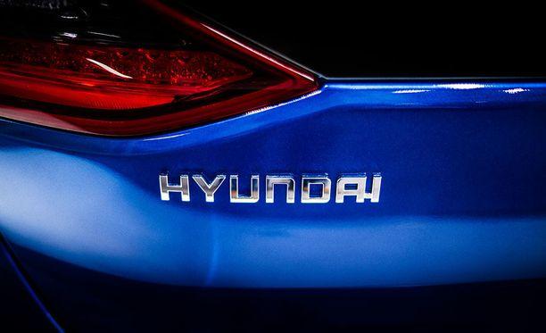Hyundai Ioniqia myydään Suomessa tällä hetkellä hybridinä ja täyssähköversiona. Mallisto laajenee loppuvuodesta ladattavalla hybridillä.