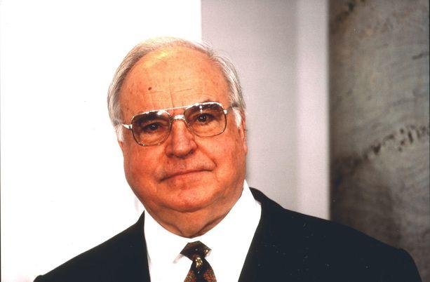 Liittokansleri Helmut Kohl menehtyi 87-vuotiaana.