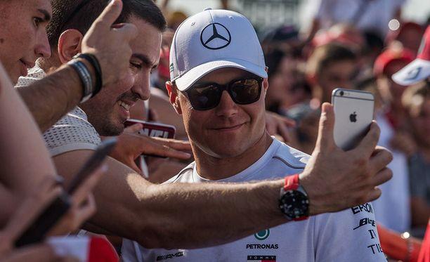 Valtteri Bottaksen mukaan Mercedes ei lähde suosikkina Unkarin GP:hen.