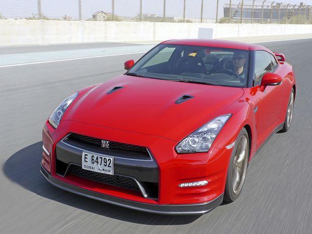 Nissan GT-R on yksinkertaisesti kaunis muotoilultaan.