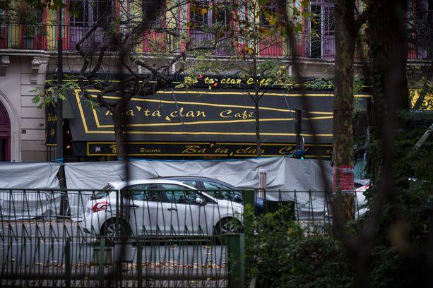 Bataclanin korserttitalossa murhattiin 87 ihmistä.