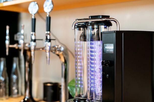 Winemill on espressokoneen kokoinen. Vuonna 2015 Sami Gauffinin kanssa sitä oli kehittämässä 11 insinööriä. Poistetusta alkoholista ei jää tislettä, sillä se uutetaan jäähdytysveteen. Laite puhdistaa itsensä etanoli-vesiliuoksella.