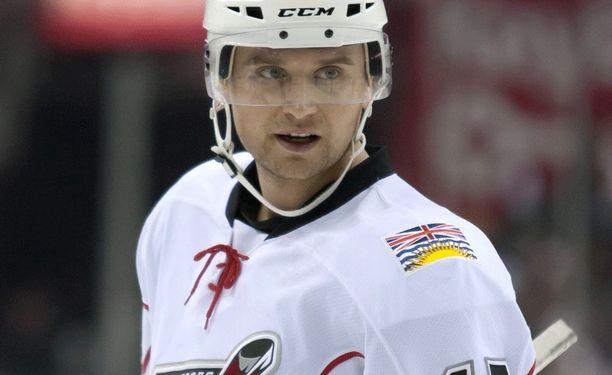 Ben Walter on pelannut NHL:ssä 24 ottelua.