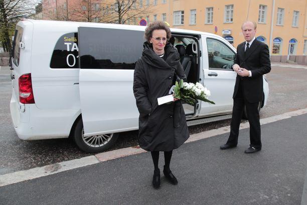 Kauppatorin pitkäaikainen kahvilayrittäjä Anja Snellman oli Kari Kivilahden pitkäaikainen ystävä.