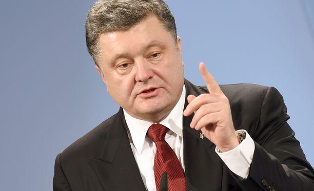 Ukrainan presidentti Petro Poroshenko varoitti vakavista seurauksista.