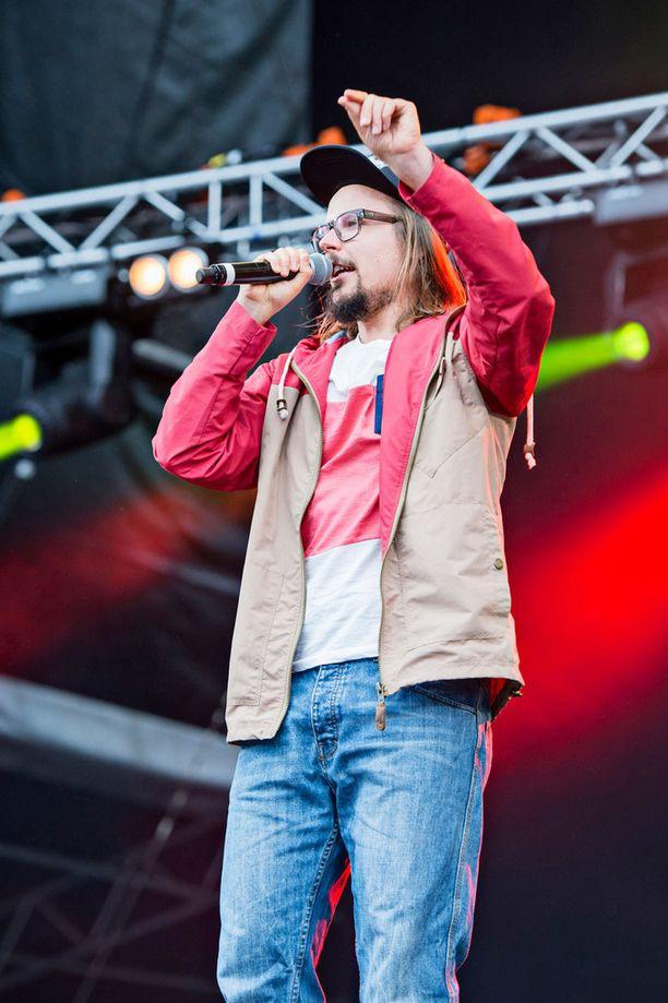Reggae-mies Jukka Pojalla on kiireinen juhannus.