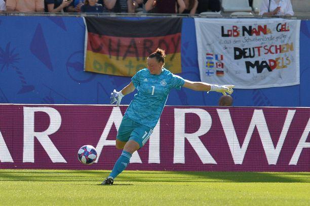 Saksan Almuth Schult on MM-kisoissa joutunut pallon eteen vain viidesti.