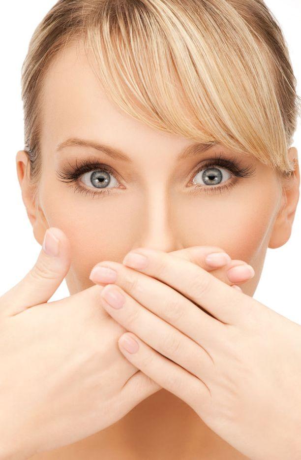 Yleisin syy suusta lehahtavaan löyhkään löytyy huonosta hammashygieniasta.