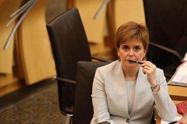 Skotlannin pääministeri Nicola Sturgeon on ilmoittanut, että Skotlanti aikoo järjestää uuden kansanäänestyksen Skotlannin itsenäisyydestä.