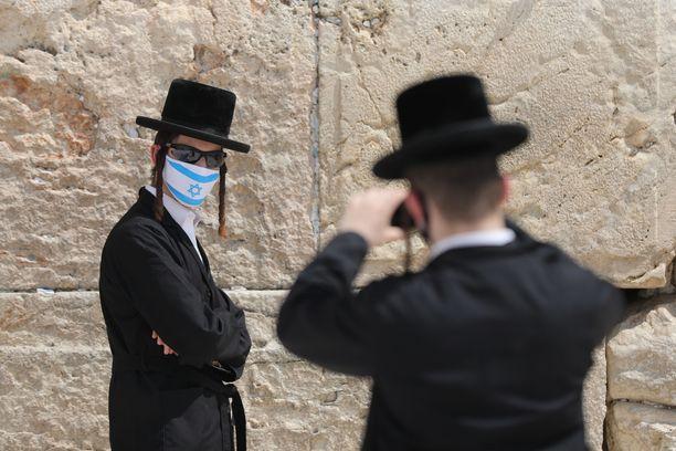 Väkilukuun suhteutettuna eniten uusia tartuntoja on parin viime viikon sisään havaittu Israelissa.