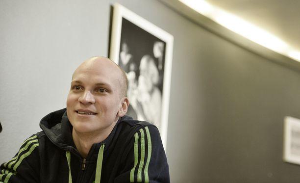 Nieminen kiertää Suomea ensimmäisellä stand up -kiertueellaan.
