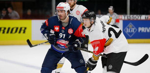 Denis Hollenstein ja Kärppien Aleksi Heponiemi väänsivät Zürichissä ensimmäisessä osaottelussa.
