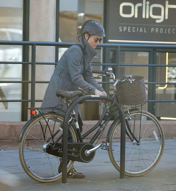 Pippa Middleton kuvattiin pyöräilemästä noin pari viikkoa sitten.