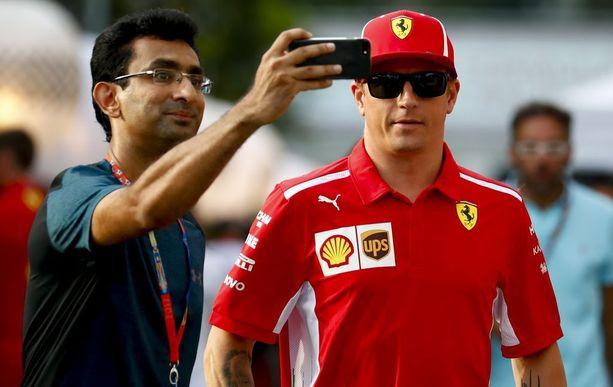 Kimi Räikkönen nähdään F1-varikoilla ainakin vielä kahdella seuraavalla kaudella.