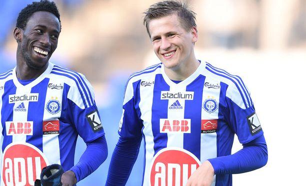 Robin Lod (oikealla) pelasti pisteen HJK:lle.