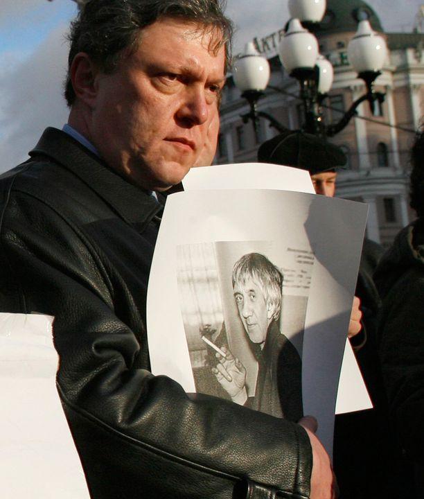 Shchekochikhinia muistettiin vuonna 2006.