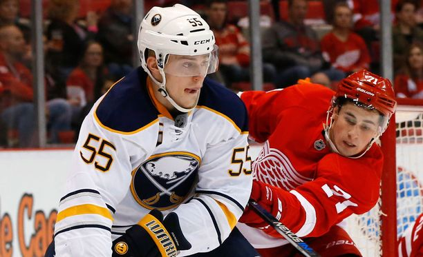 Rasmus Ristolainen pääsi jälleen tehopisteille pelissä Detroitia vastaan.