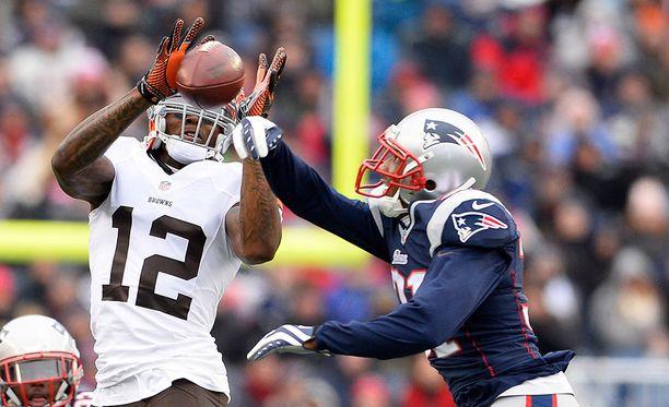 Josh Gordon (vas.) oli yksi NFL:n parhaita laitahyökkääjiä vuonna 2013.
