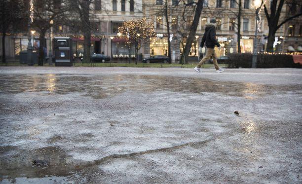 Tutkimus ennustaa, että ilmastonmuutos tuo Helsinkiin myös lisää sateita ja tulvia.