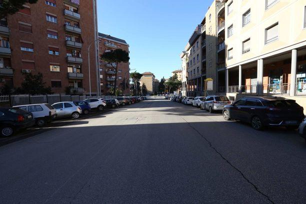 Koronavirus on autioittanut katuja myös Roomassa.