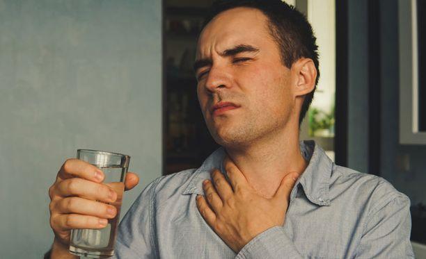 Nielemishäiriöön voi liittyä tukehtumisen vaara.