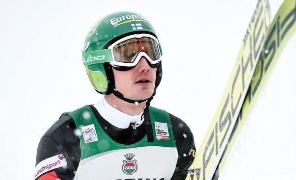 Hannu Mannista ei nähdä huomisessa kilpailussa.