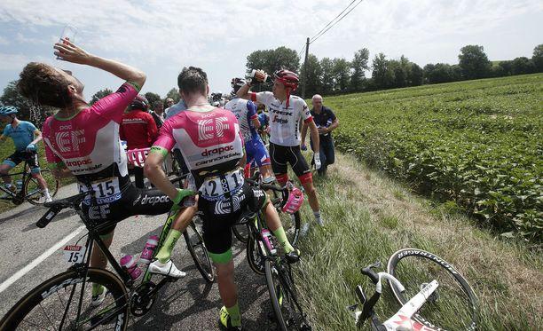 Tour de Francen 16. etappi jouduttiin keskeyttämään.