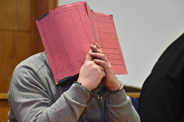 Niels Höger tuomittiin kaksi vuotta sitten elinkautiseen.