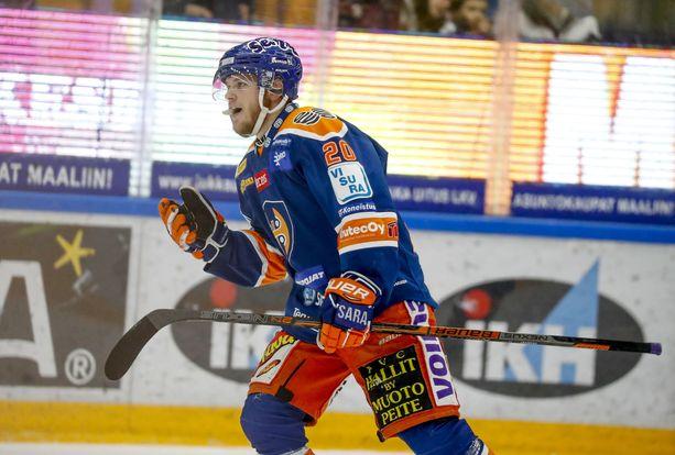 Niko Ojamäki ampui hirmuisella rannelaukauksellaan Tapparan kolmannen maalin, kun joukkue kukisti KalPan 4-1.