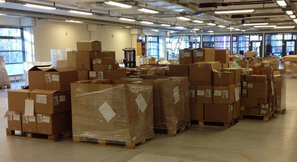 Tullin paljastamassa laajassa salakuljetusvyyhdissä luvatta maahan tuotuja tuotteita myytiin verkkokaupan kautta Suomeen ja muihin EU-maihin.