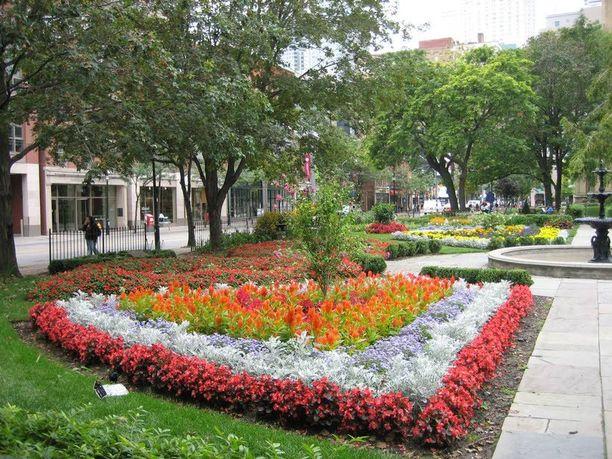 Kaupunki on tunnettu kauniista viheralueistaan.