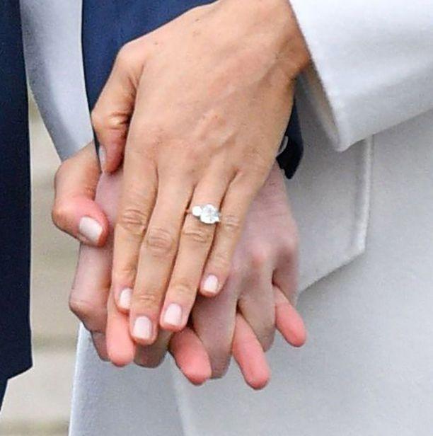 Asiantuntijoiden mukaan Meghanin sormus on jopa 123 000 euron arvoinen.
