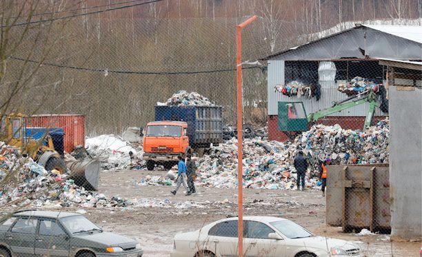 Kaatopaikan jäteralli paheni puoli vuotta sitten.