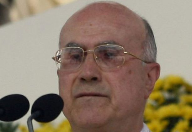 Kardinaali Tarcisio Bertone raivostui poliisille.