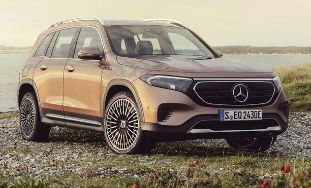 Sukunäköä muuhun tuoteperheeseen tuo Mercedes-EQ:n musta etupaneeli, jonka keskelle on sijoitettu Mercedes-Benzin tähti.