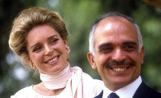 Kuningas Hussein kuningatar Noorin kanssa vuonna 1984.