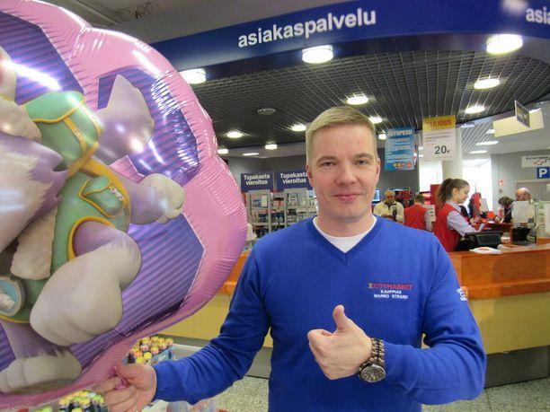 Kauppias Marko Strand kertoo, että Lielahden K-citymarketista on aiemminkin tullut rahapelivoittoja.