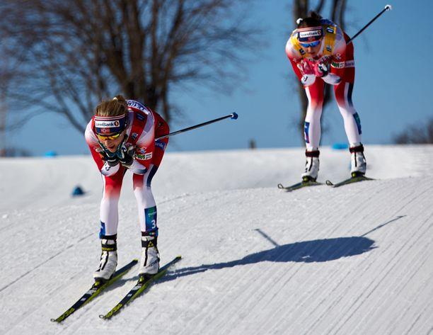 Therese Johaug ja Ingvild Flugstad Östberg ottivat Quebecissa sunnuntaina sijat kaksi ja kolme.