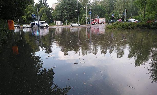 Saimaankatu muuttui järveksi.
