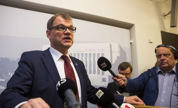 Juha Sipilän mukaan hallitus seuraa Ruotsin tilannetta tiiviisti.