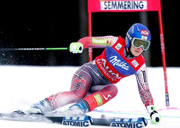 Kathrin Zettel oli Semmeringin suurpujottelukisan vahvin.