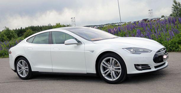 Tesla on Suomen myydyin sähköauto.