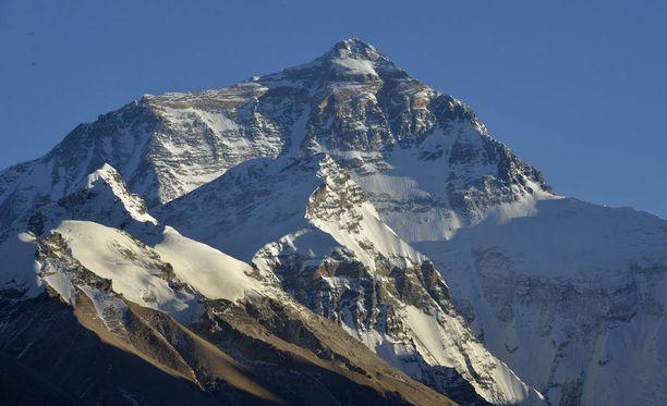 Mount Everestille pyrkii tänä vuonna ennätysmäärä ihmisiä.