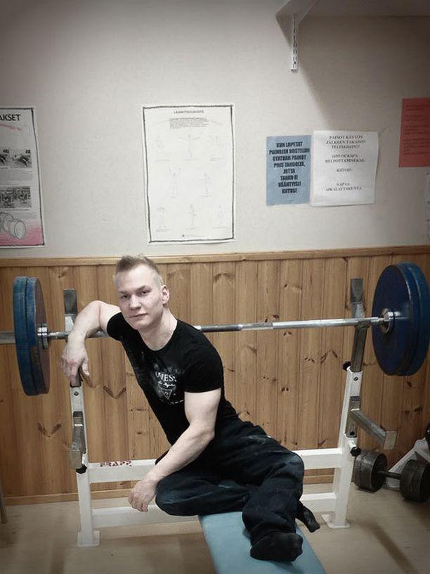 Artturi Verho valmistuu toukokuun lopussa liikunnanohjaajaksi.