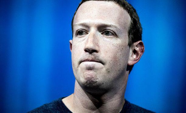 Facebookin perustaja ja toimitusjohtaja Mark Zuckerberg ottaa vastuun skandaalista.