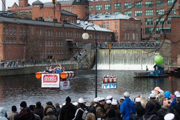 Tampere ylsi hopealle.
