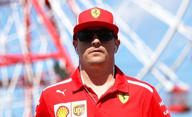 Kimi Räikkönen siirtyy ensi kaudeksi Sauberin rattiin.
