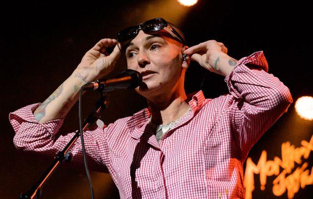 Sinead O'Connor oli suosionsa huipulla 80-90-luvulla, mutta hän on esiintynyt myös 2010-luvulla.